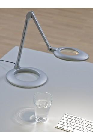 Ovelo er en moderne LED Arbejdslampe , fra JB Medico