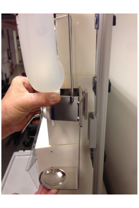 Dispenser, 6 cm arm, drip tray and adapter bracket. JB 50-213-102